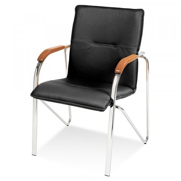 Stapelbarer Besucherstuhl mit schwarzem Kunstlederbezug und buchefarbenen Holzarmlehnen 84400