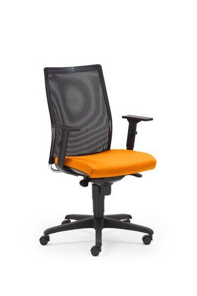 Schreibtischstuhl mit Netzrücken und orangefarbener Sitzfläche 84104